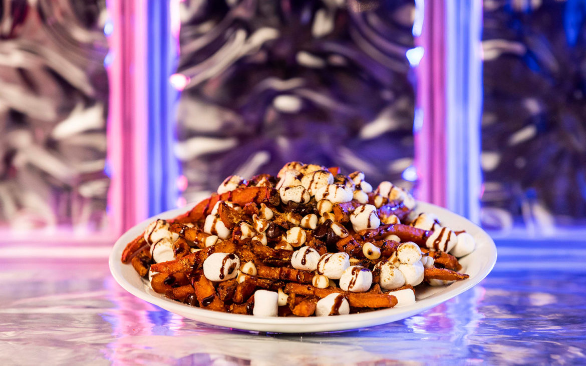 Halloween Horror Nights S'mores Fries