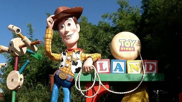Behind the scenes of Toy Story Land20180628205241.jpg